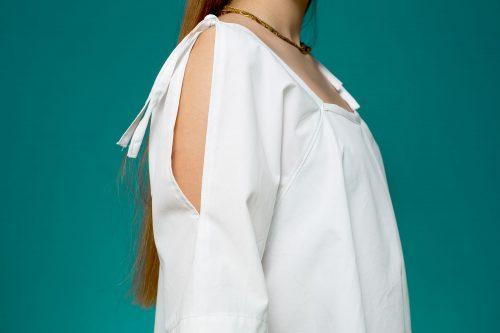 Mainseam Tie-me-up white Rose detail